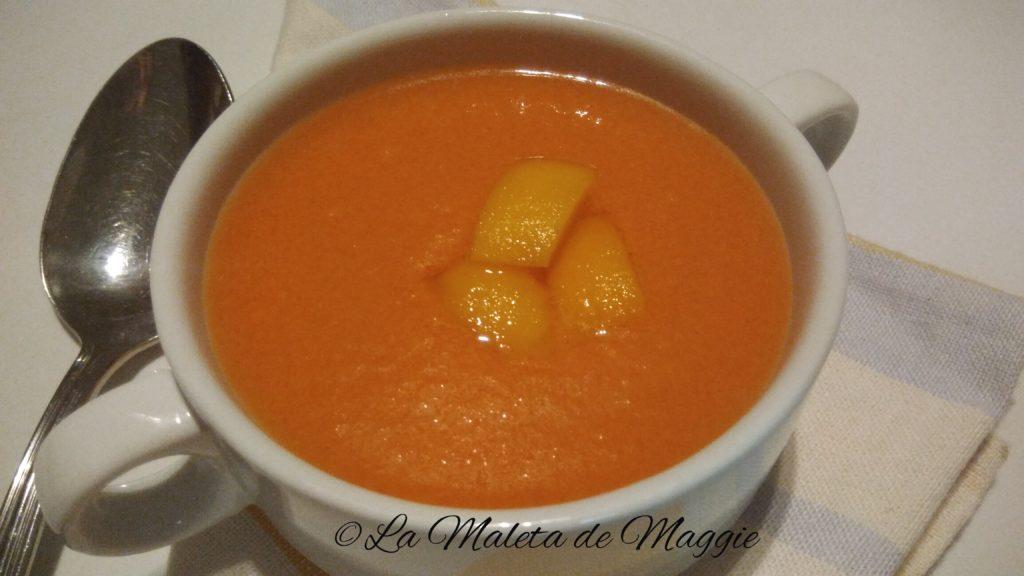 Gazpacho de níspero con tomate