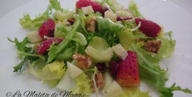 Ensalada de escarola y fresas