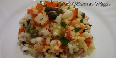 Ensalada de surimi y arroz