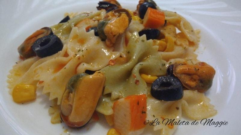 ensalada de pasta y mejillones en escabeche