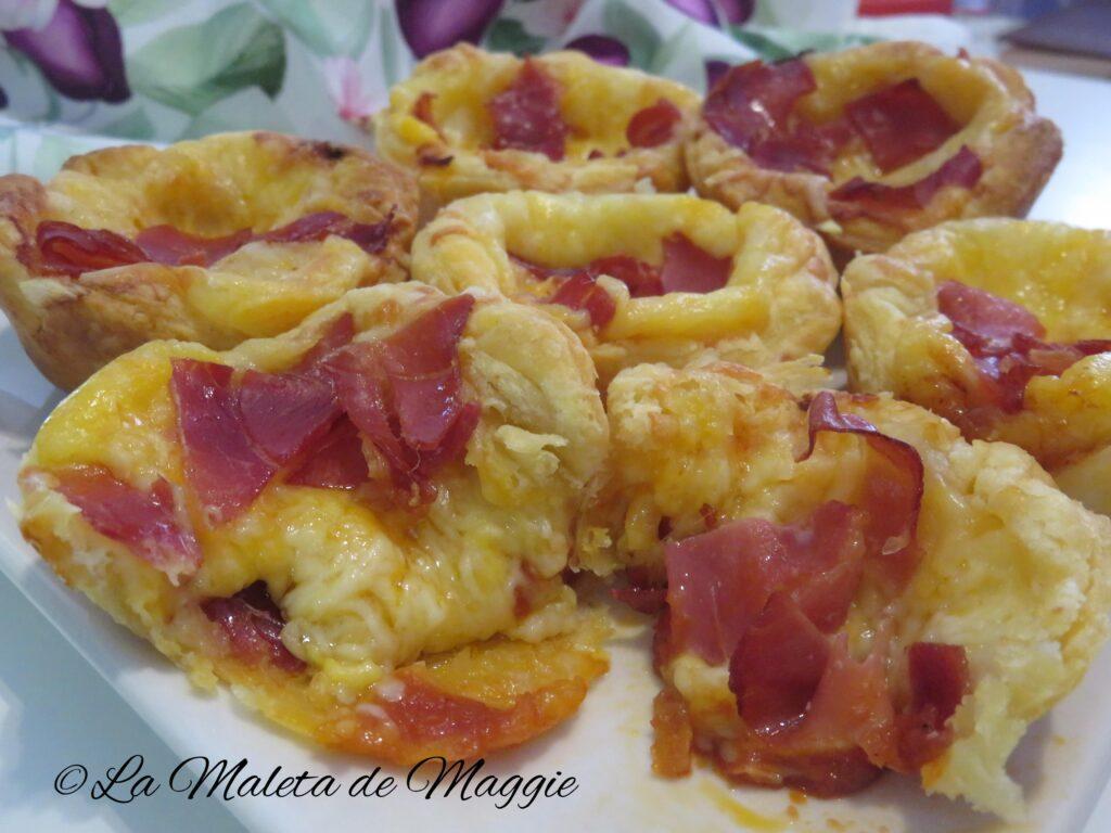 Mini tartaletas con queso y jamón