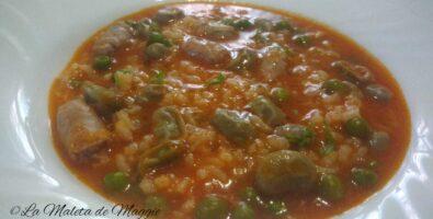 Arroz con salchichas y verduras