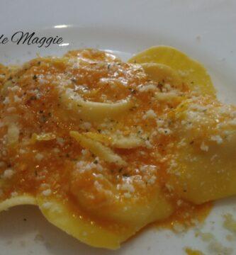 Raviolis de queso en salsa de limón